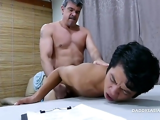 Daddy With An Increment Of Asian Twink Going To Bed Bareback